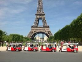 Station e-Tuk-Tuk Tour Eiffel Paris