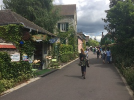 "Die ""Hauptstrasse"" in Giverny"