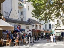 Saint-André des Arts Place in Paris
