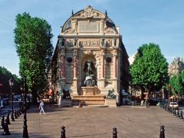Saint-Michel Place in Paris