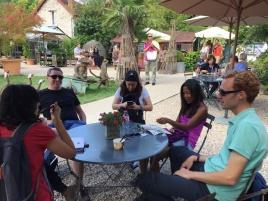 Glace en groupe à la Capucine à Giverny