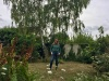 Martine dans son jardin à Vernon